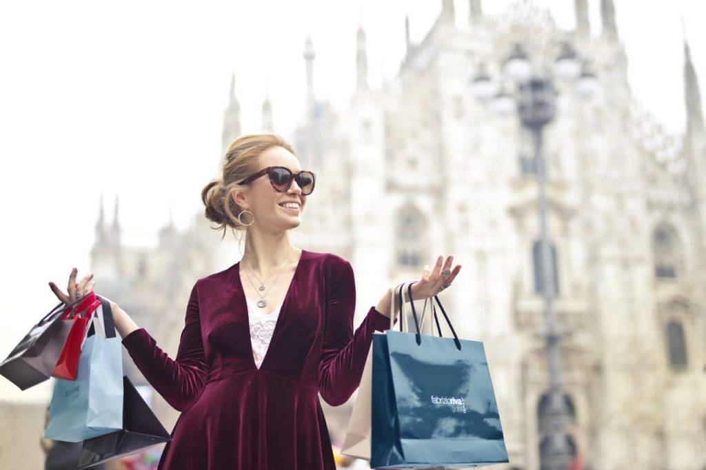 early holiday shopping deals and special offers